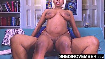 Пацанчик взял девушку в похотливое рабство, поэтому может наслаждаться ее телом