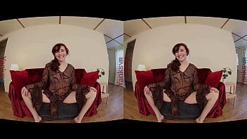 Девчонка облизывает хуй супругу на стоянке и туалете