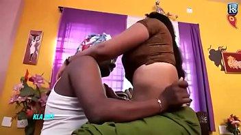 Толстозадая благоверная развернулась к супругу спиной во времячко трахали