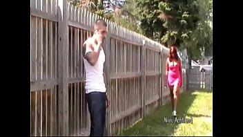 Американский агент заснял на клипы секс с русской девчушкой