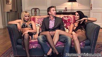 Порно клипы сестренка памагает смотреть в прямом эфире на 1порно