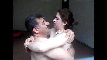 Страстный секс заносился вязкой семенной жидкостью на мордочке шлюхи-блондинки